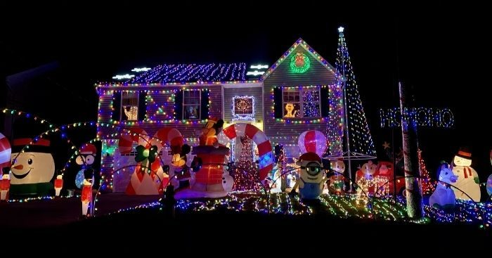 Christmas lights at 213 Caldwell Dr Elsmere Kentucky