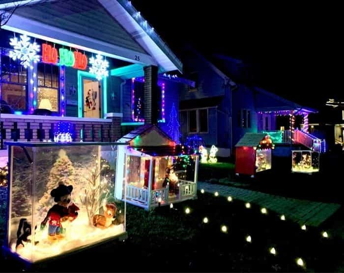 Christmas lights at 25 Bellaire Place Fort Thomas