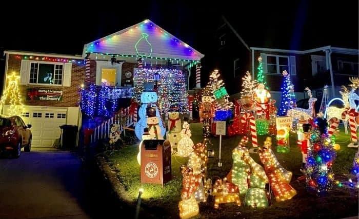 Christmas lights at 4109 Fitzgerald Court Erlanger Kentucky