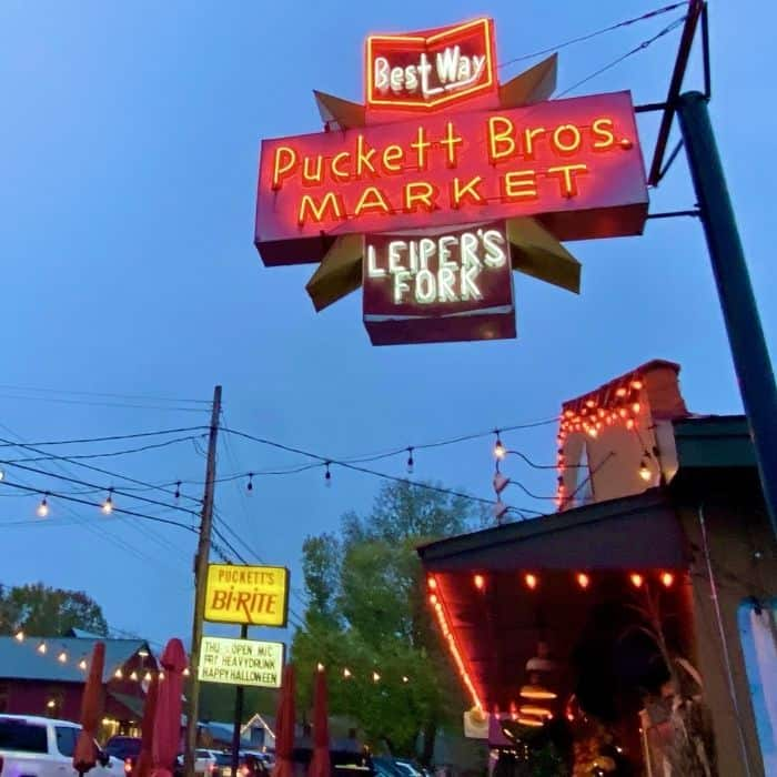 neon sign for Puckett's of Leiper's Fork