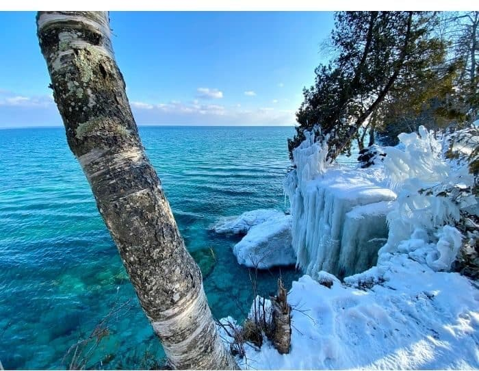 Cave Point State Park in the winter