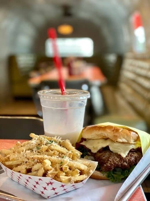 burger and fries at Willy Burger