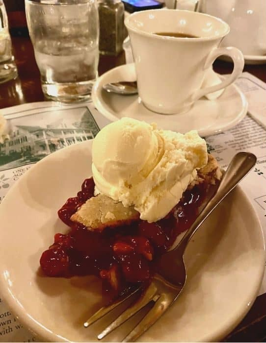 cherry pie at White Gull Inn