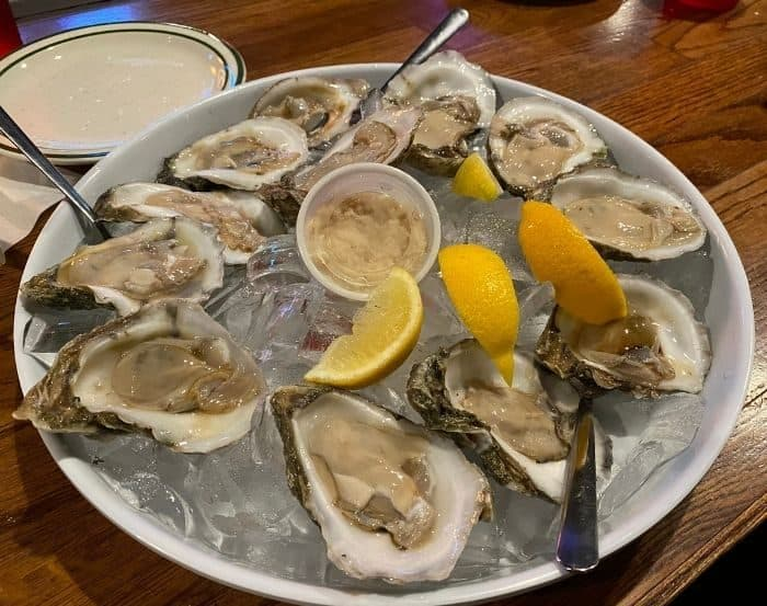 oysters at Floyd's Seafood and Steakhouse