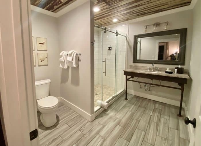 bathroom for Shearwater Suite at The Roost boutique Hotel