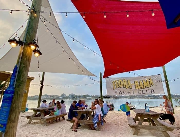 outdoor dining at Flora-Bama Yacht Club