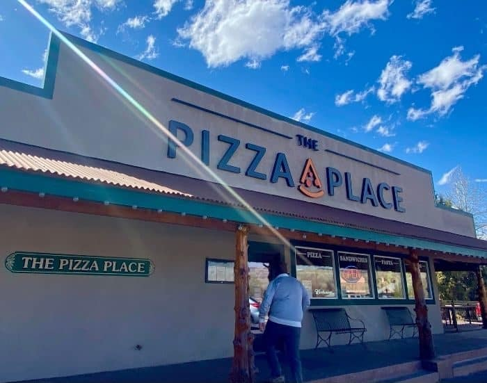 the pizza place in Tropic Utah
