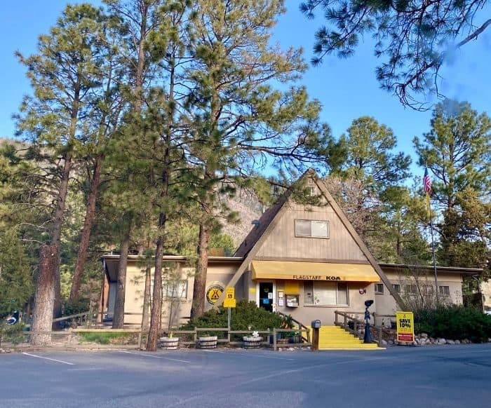 check in for the Flagstaff KOA Holiday