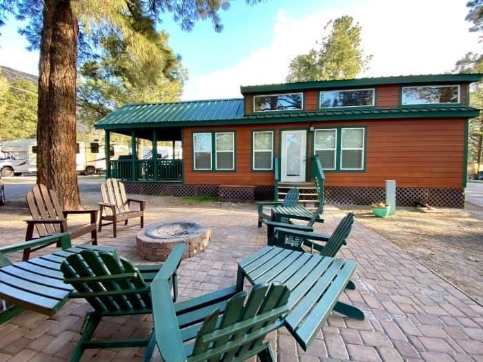 deluxe cabin at the Flagstaff KOA Holiday