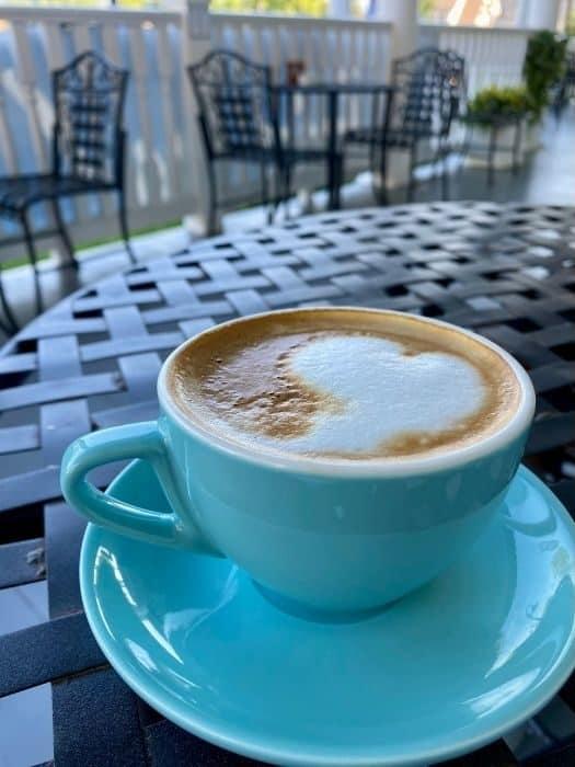 honey bee latte at Ellie's