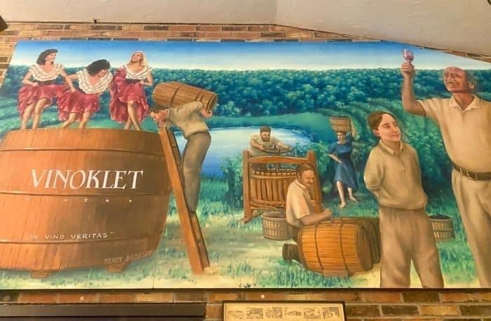 mural at Vinoklet Winery