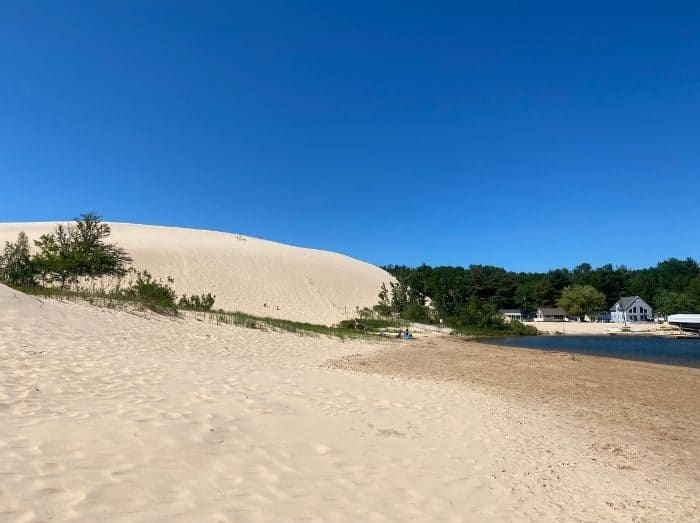 Sand-dune-near-Silver-Lake