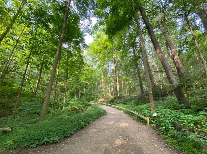 hiking trails near Squire's Castle