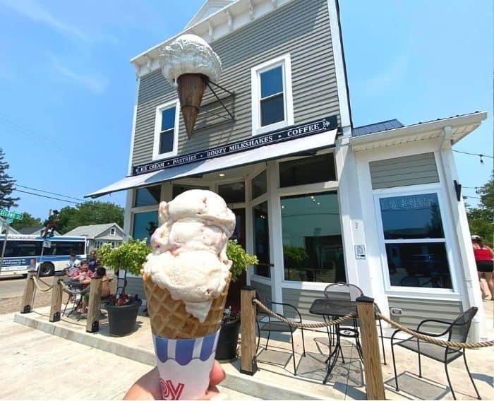 ice-cream-Fairport-Harbor-Creamery