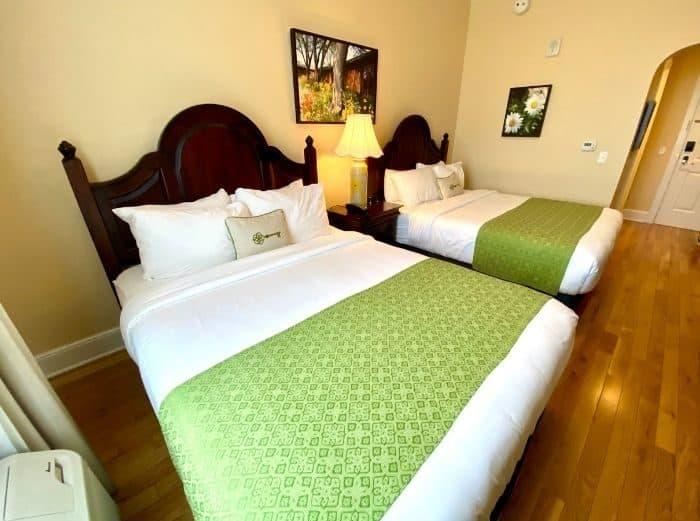room at Mills Park Hotel