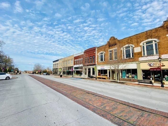 Bank Street Shopping District
