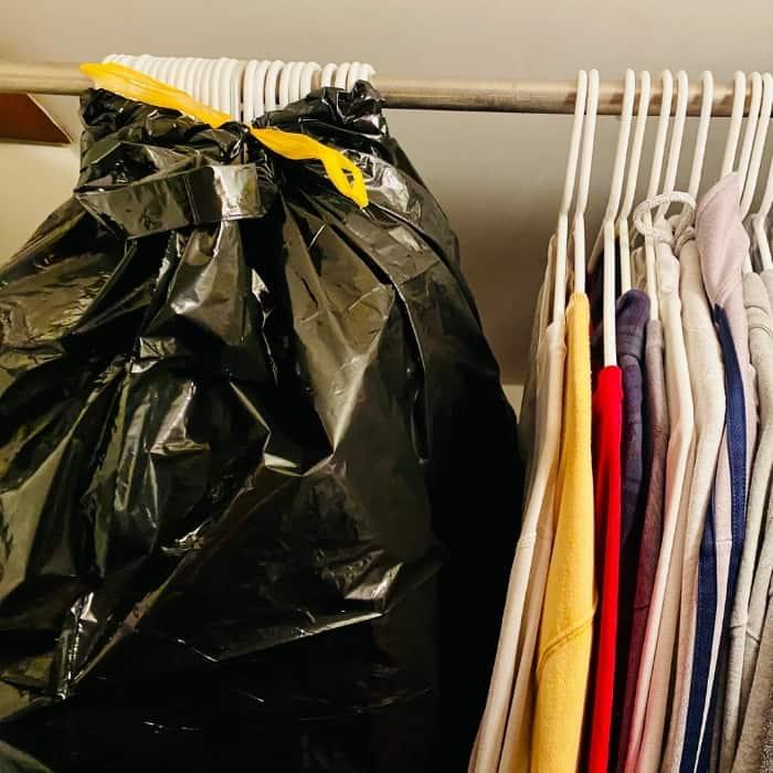 garbage bag packing hack