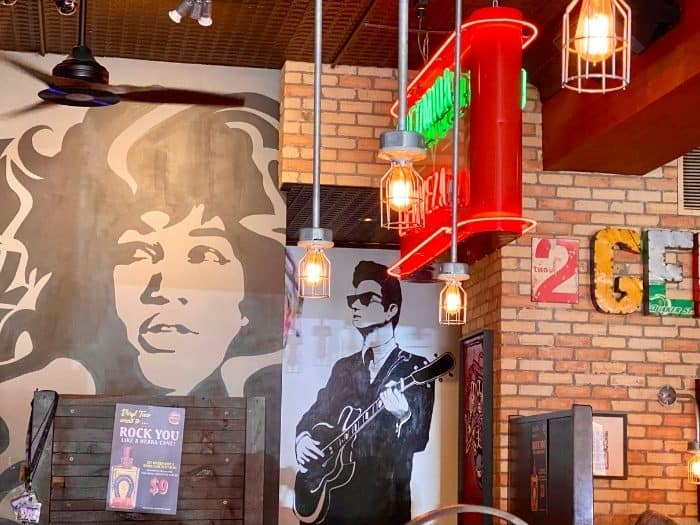 murals at Vinyl Taco