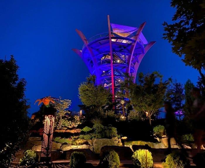 AnaVista Observation Tower at night