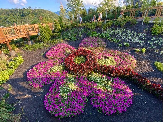 Giant flower in the Vista Garden Walk